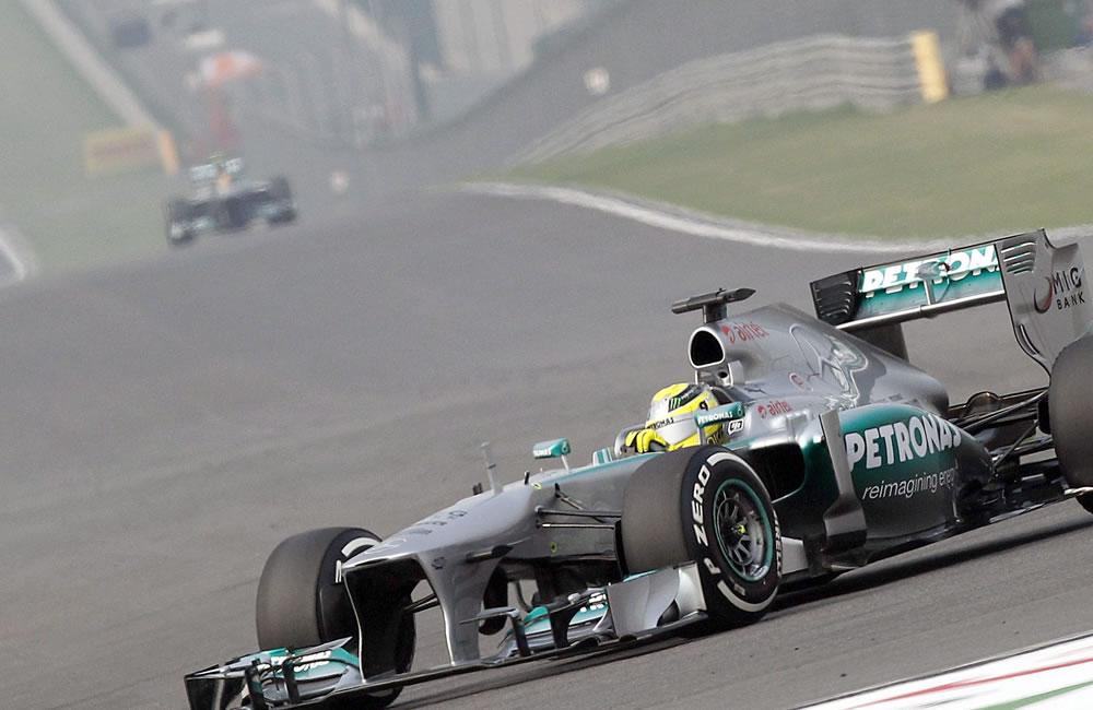 El piloto alemán Nico Rosberg durante la clasificación del Gran Premio de la India. EFE