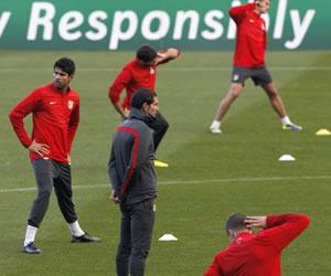 Simeone convoca a los 21 disponibles con las bajas de Arda Turan y Mario