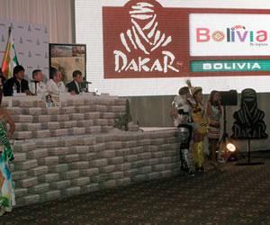 Gobernación de Oruro presenta Guía de Turismo