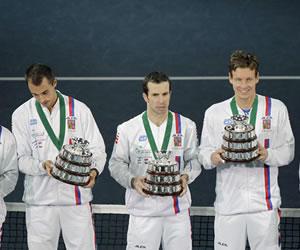 Stepanek repite como héroe de la campeona República Checa