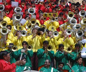 Músicos rinden homenaje al Himno Nacional de Bolivia