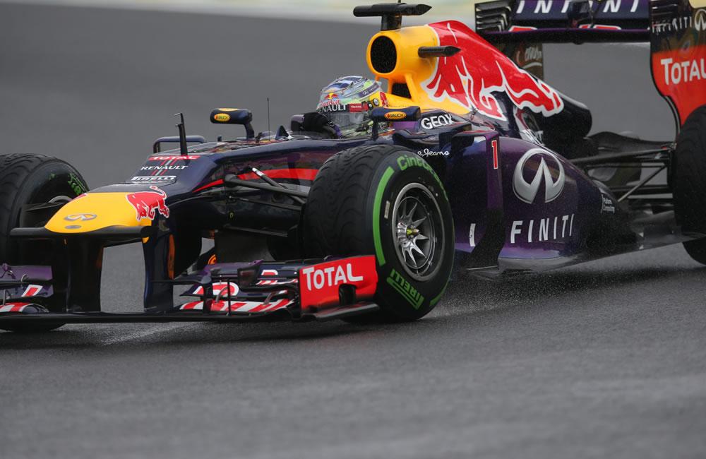 El piloto alemán de la escudería Red Bull, Sebastian Vettel, en acción . EFE