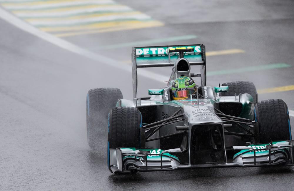 El piloto británico de la escudería Mercedes, Lewis Hamilton, en acción. EFE