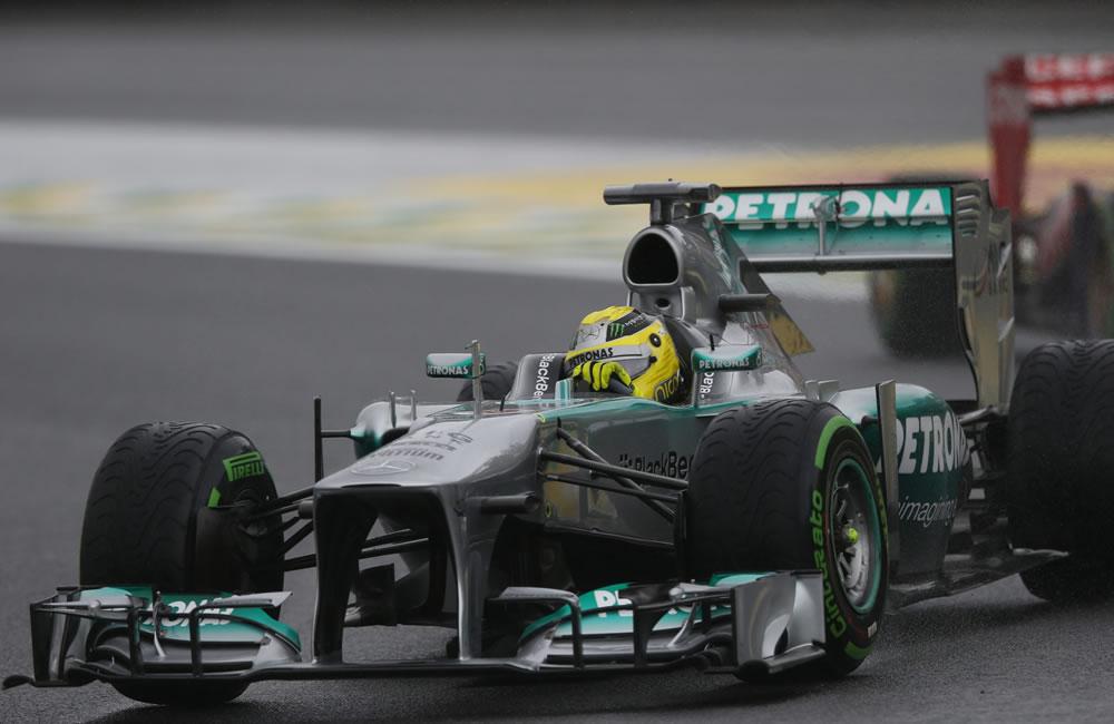 El piloto alemán de la escudería Mercedes, Nico Rosberg, en acción . EFE