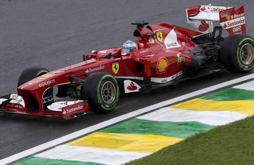 El piloto español de la escudería Ferrari, Fernando Alonso, en acción. EFE