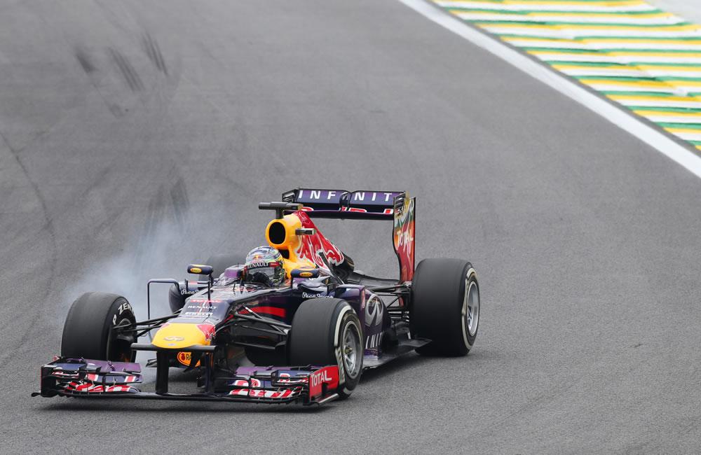 El alemán Sebastian Vettel, de la escudería Red Bull, en acción. EFE