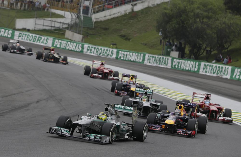 Vista general de los monoplaza al inicio del Gran Premio de Brasil. EFE