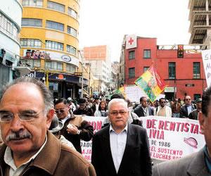 Jubilados y rentistas de Chuquisaca anuncian movilización en La Paz