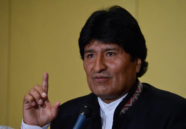 Morales promulga la Ley de la Empresa Pública