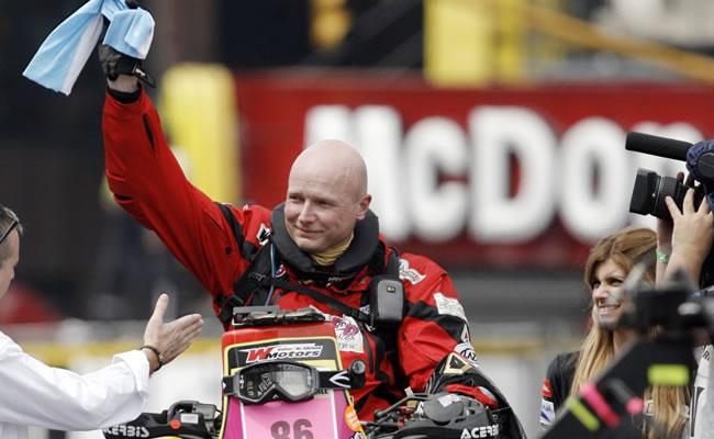 Fotografía de archivo del 1 de enero de 2010 donde se ve al piloto belga Eric Palante. EFE