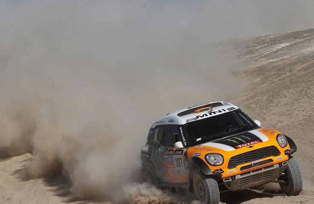 Terranova gana undécima etapa del Dakar y 'Nani' gana tiempo como líder