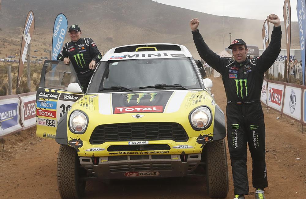 'Nani' Roma supera a Peterhansel y gana su primer Dakar en coches