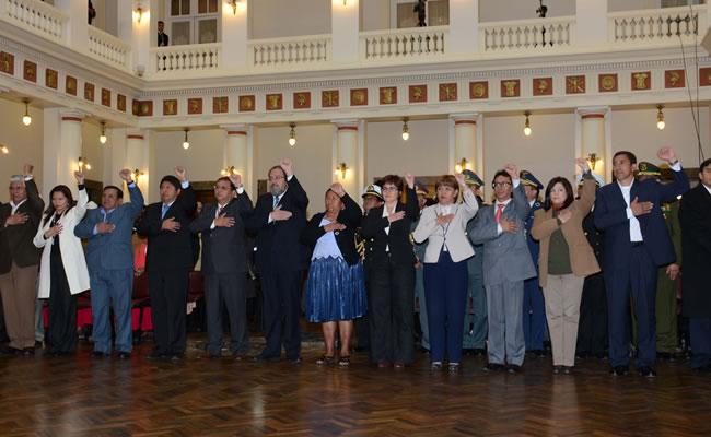 Dos nuevos ministros conforman el gabinete de Evo Morales