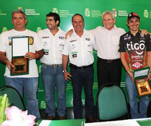 Distinción a los pilotos cruceños que participaron en el Dakar 2014