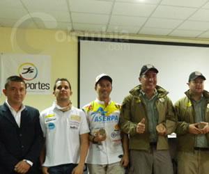Motociclistas colombianos relatan su vivencia en el Rally. Foto Colombia.com