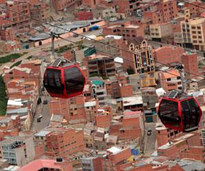 Primeras pruebas del teleférico que conecta La Paz con El Alto