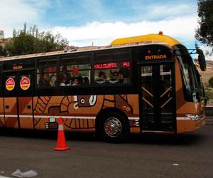 La Paz apuesta a los 'PumaKatari' y al teleférico para aliviar su caos vial