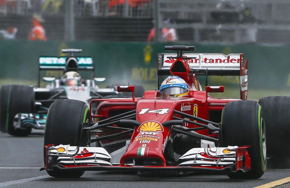 El piloto españo Fernando Alonso durante la preclasificación del Gran Premio de Australia. Foto: EFE