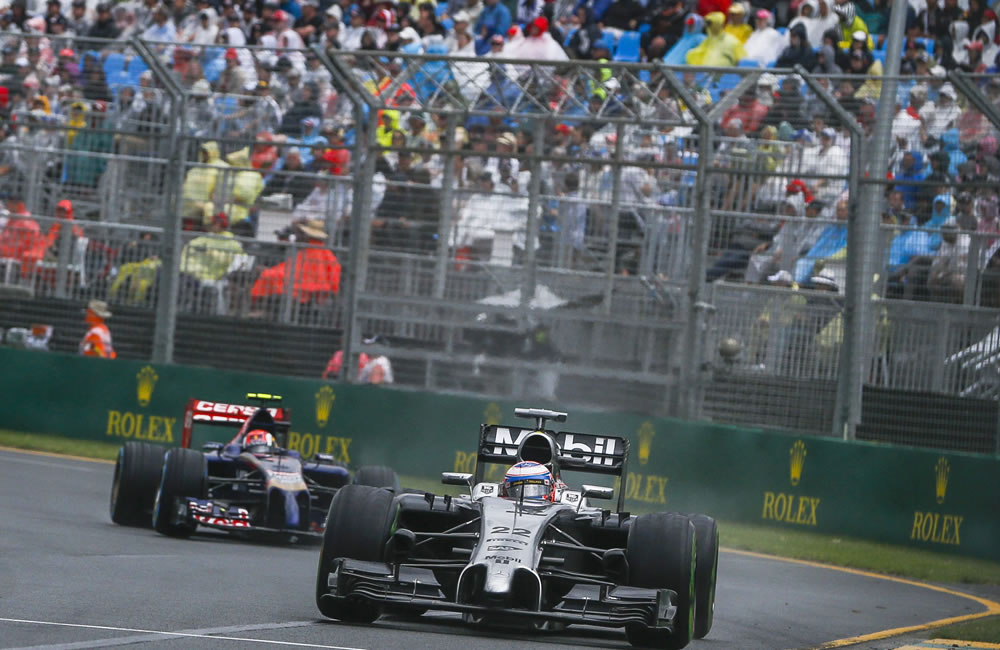 El piloto británico Jenson Button durante la preclasificación del Gran Premio de Australia. Foto: EFE