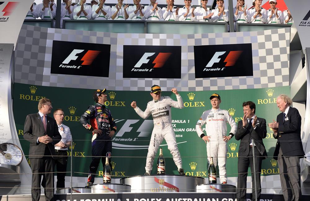 Celebración en el podio del Gran Premio de Australia. Foto: EFE