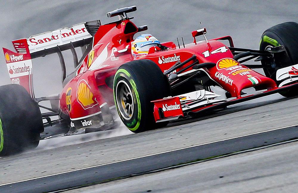 El piloto español Fernando Alonso durante la preclasificación del Gran Premio de Malasia. Foto: EFE