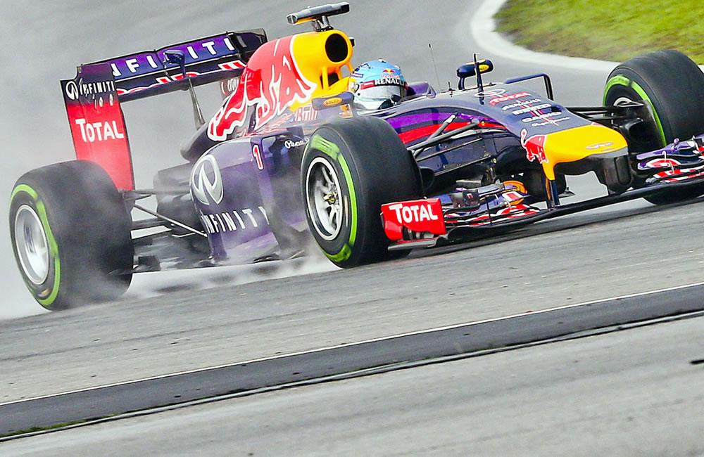 El piloto alemán Sebastian Vettel durante la preclasificación del Gran Premio de Malasia. Foto: EFE
