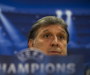 Martino: 'No podemos jugar un partido a la desesperada; necesitamos orden'