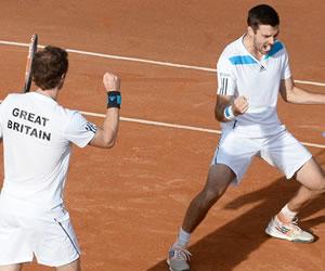 El campeón sella las semifinales, Francia resiste y Suiza, al borde del adiós