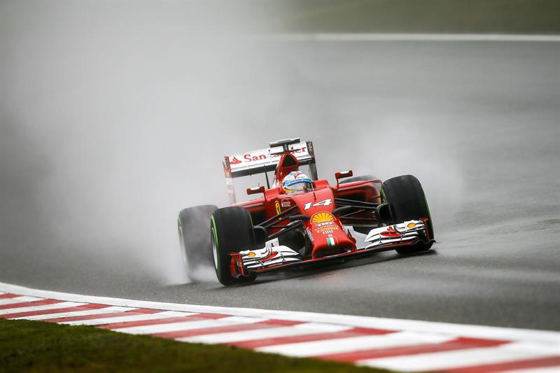 El piloto español Fernando Alonso durante la preclasificación del Gran Premio de China. Foto: EFE