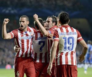 La hazaña del Atlético en el Stamford Bridge en imágenes. EFE
