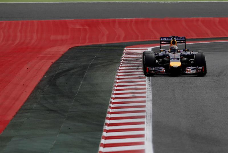 El piloto alemán de Red Bull, Sebastian Vettel, durante la segunda sesión de entrenamientos libres. Foto: EFE