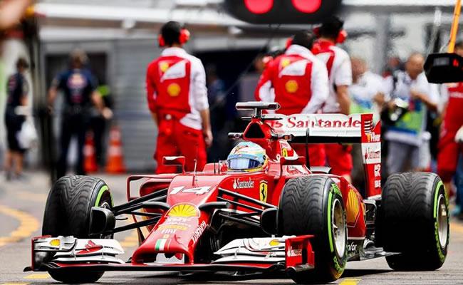 Alonso se cuela en el dominio de Hamilton en un día para pocas conclusiones