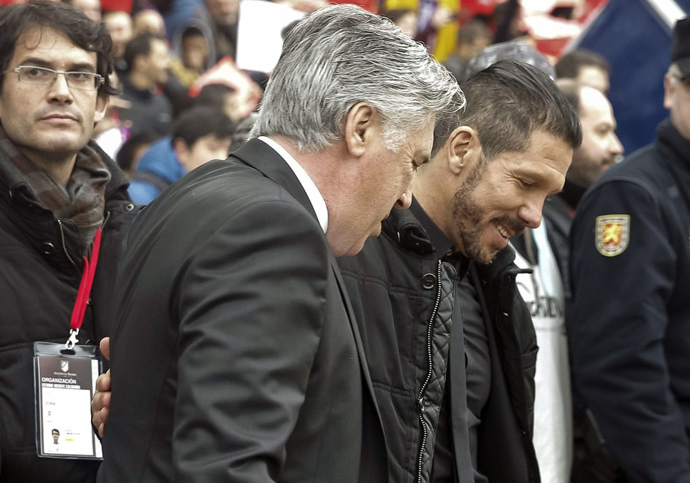 Simeone, el señor de las finales, reta a Ancelotti que busca su quinto título. EFE