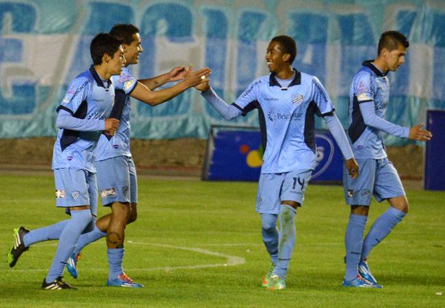 Bolívar logró uno de los pases a Copa Sudamericana de 2015. ABI/Archivo