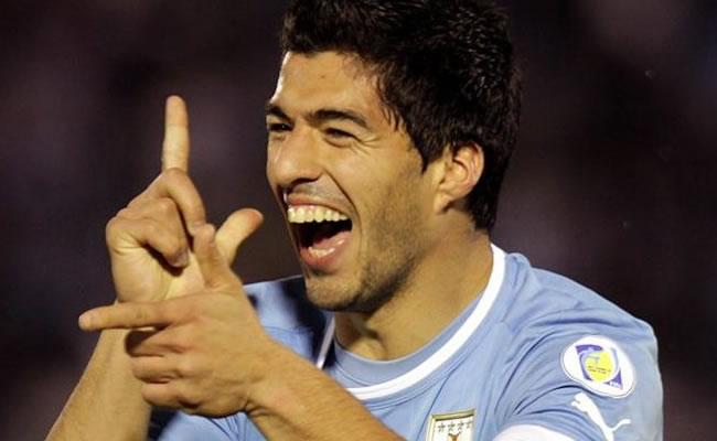 Suárez vuelve al campo dos semanas después de ser sometido a una artroscopia. Foto: EFE