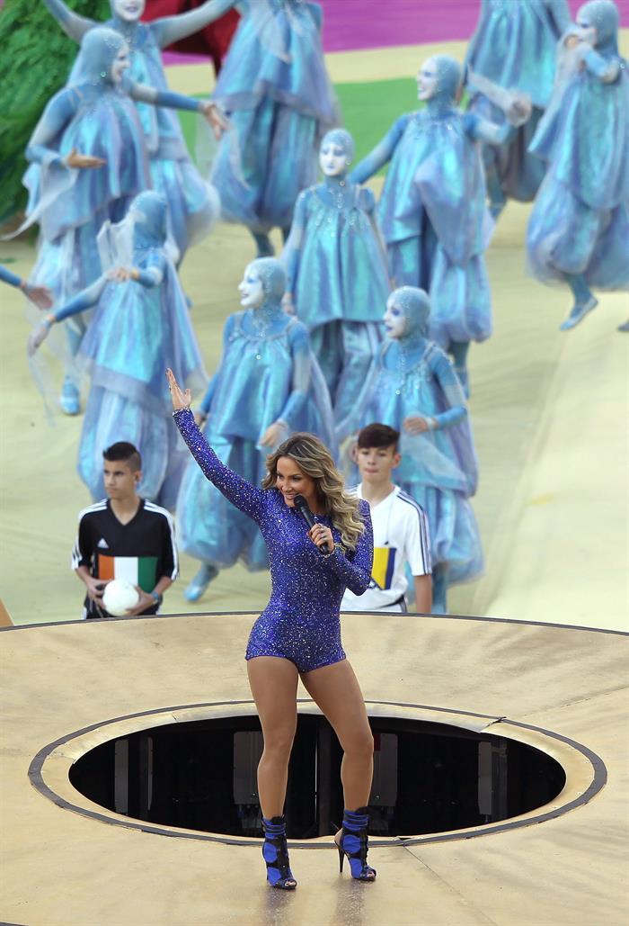 La cantante brasileña Claudia Leitte durante la gala de inauguración del Mundial de Fútbol. EFE
