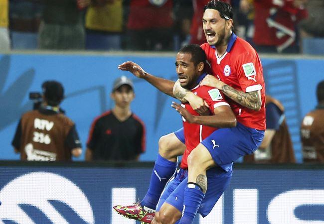 Chile sufrió para vencer a Australia