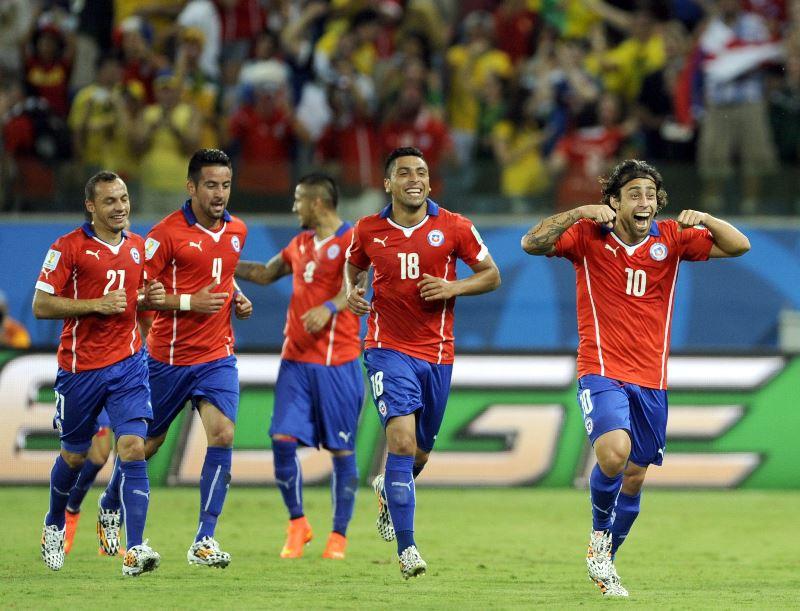 Chile venció 3-1 a Australia con goles de Sánchez, Valdivia y Beausejour, el descuento fue de Cahill. Foto: EFE.