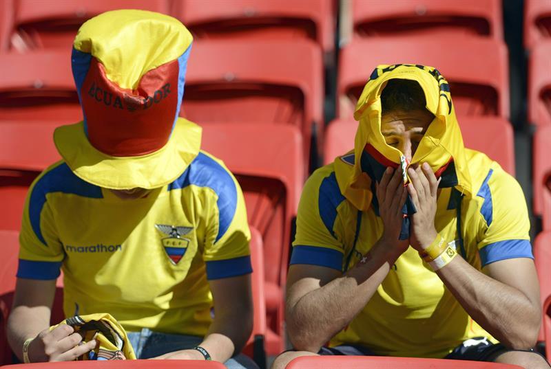Cientos de aficionados asisten al partido Suiza-Ecuador, del Grupo E del Mundial de Fútbol de Brasil . EFE