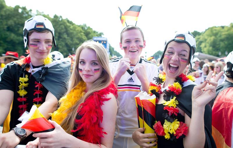 Hinchas de Alemania antes del encuentro con Alemania. EFE
