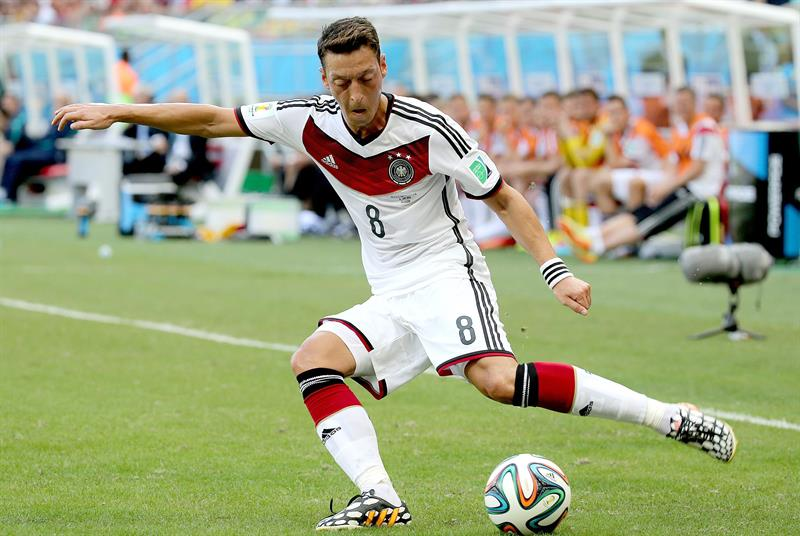 Mesut Oezil of Germany in action during the FIFA World Cup 2014 group G. EFE