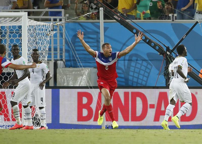 EE.UU. ganó 2-1 con goles de Clint Dempsey (1') y John Brooks (86'). Ghana descontó con Andre Ayew (82'). Foto: EFE.