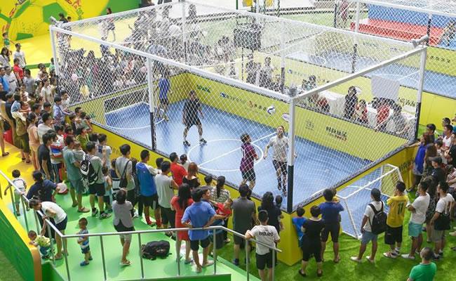 Suben a 3 los aficionados chinos muertos por trasnochar para ver el Mundial. EFE