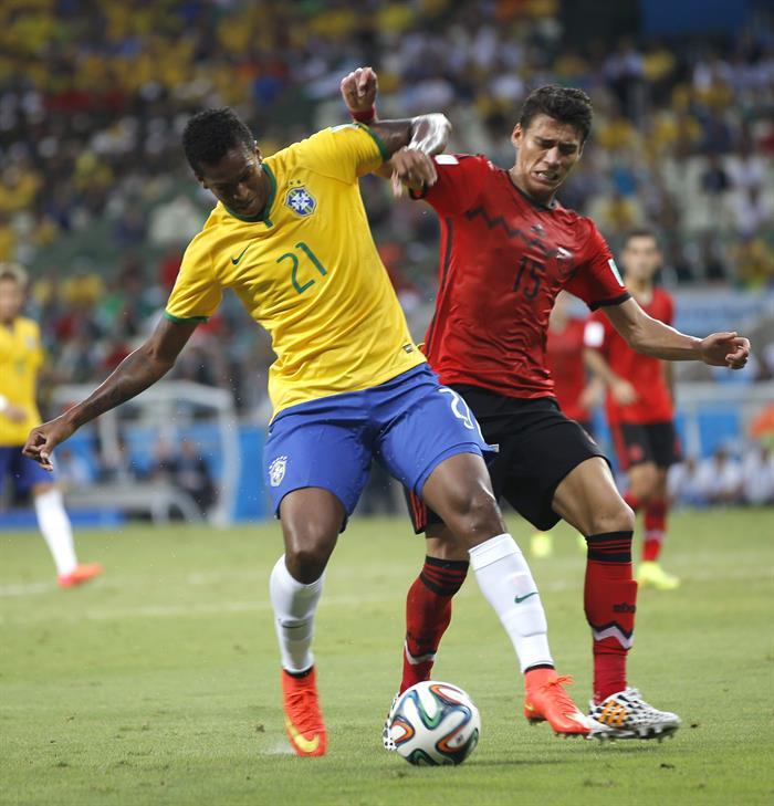El delantero brasileño Joao Alves