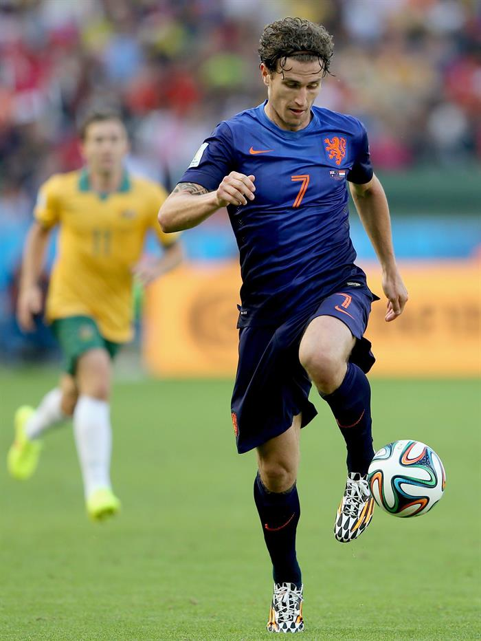 Daryl Janmaat of the Netherlands in action during the FIFA World Cup 2014 group B. EFE