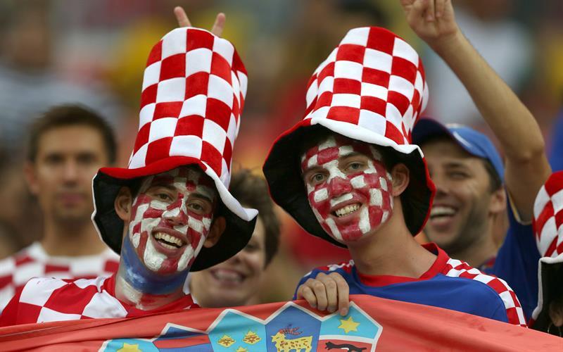 Croacia venció 4-0 a Camerún con goles de Ivica Olic (11'), Ivan Perišic (48') y Mario Mandžukic (61' y 73'). Foto: EFE.