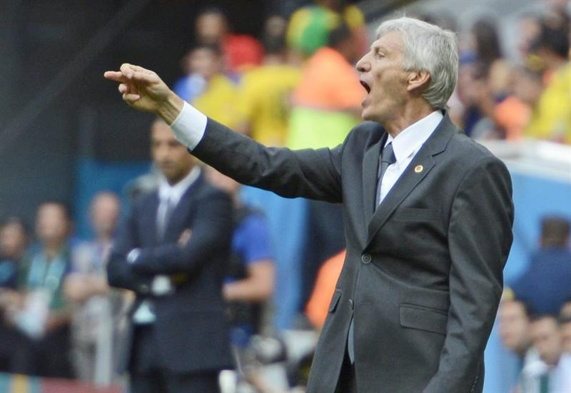 Colombia's Argentine head coach Jose Pekerman gestures during the FIFA World Cup 2014 group C. EFE
