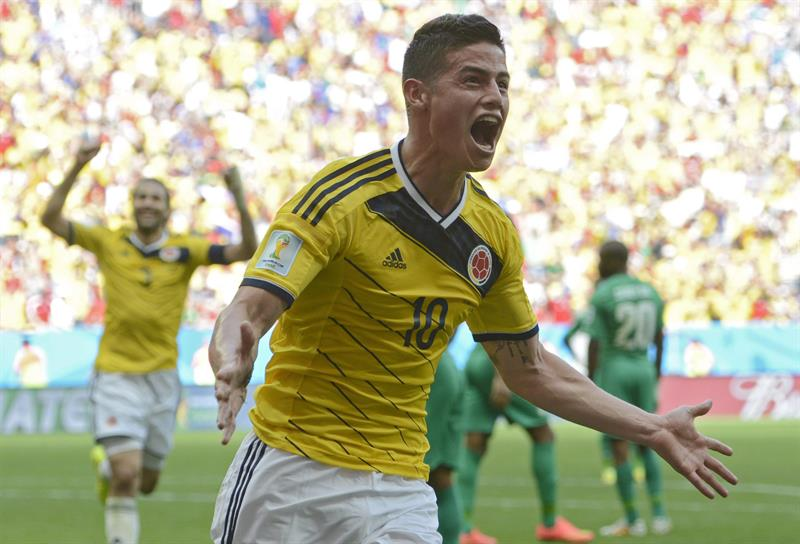 Colombia's James Rodriguez celebrates his 0-1 goal during the FIFA World Cup 2014 group C. EFE