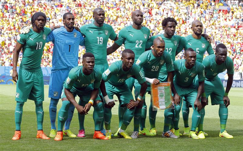 Team pose prior the FIFA World Cup 2014 group C. EFE