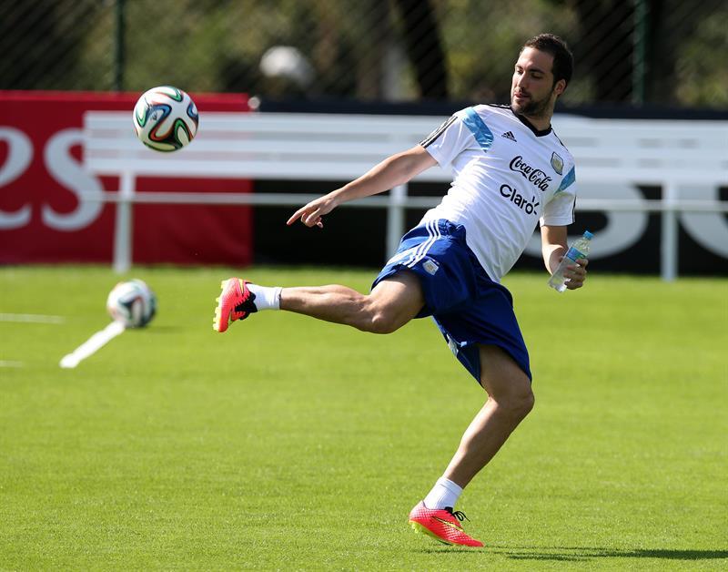 El delantero de la selección argentina, Gonzalo Higuaín. Foto: EFE